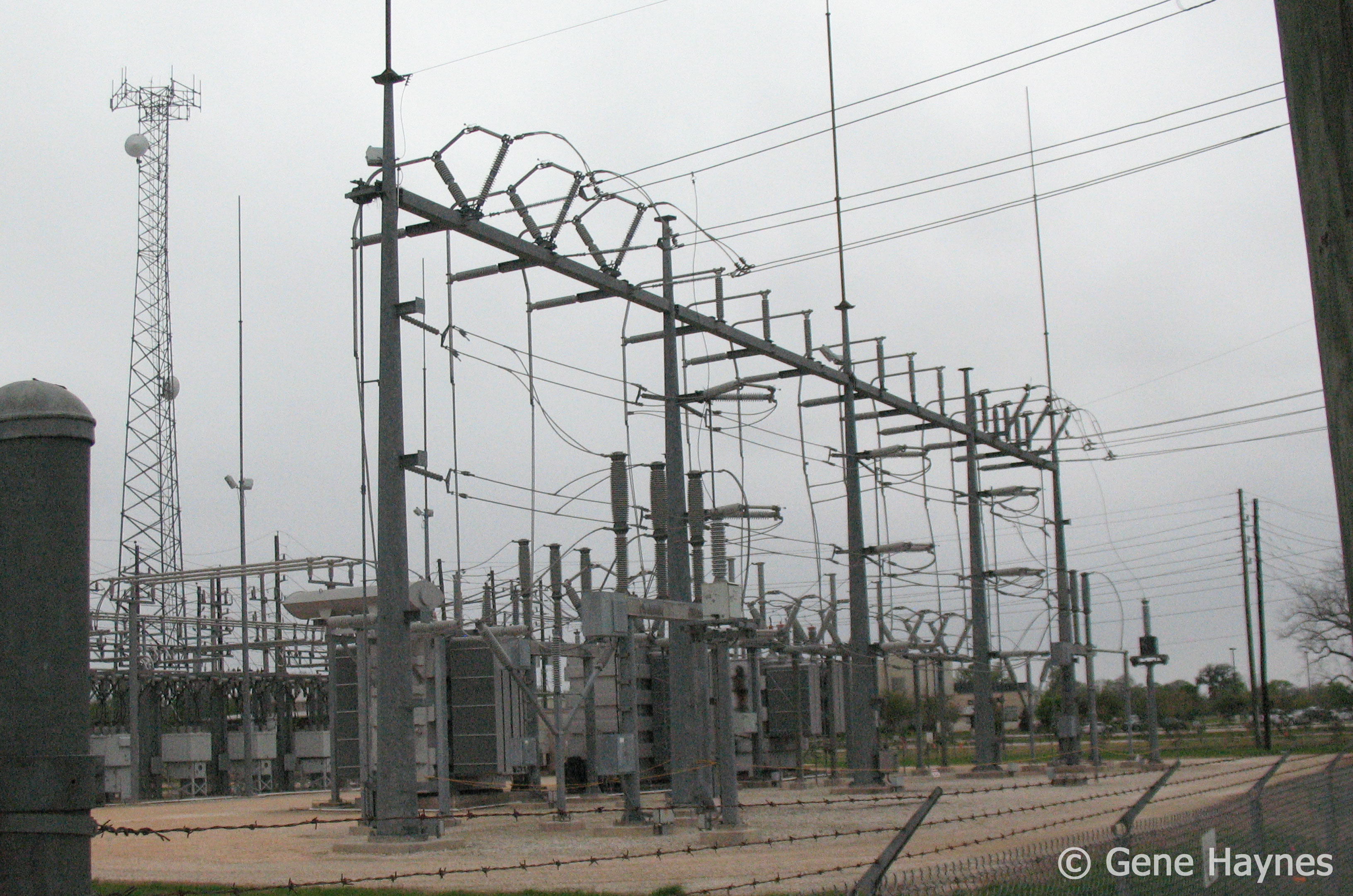 What Is 3 Phase Electric Heating Element With 240 Volts And The Timer Buzzer 120 Substation Might Receive 500000 From Generator Reduces Voltage Sends Out On Several Lower Lines