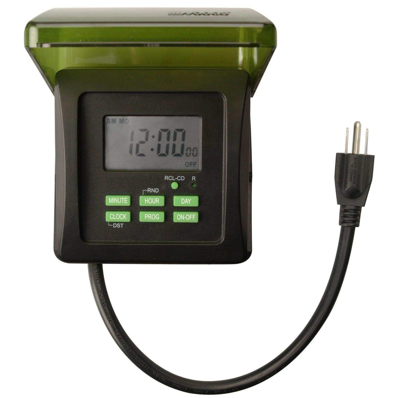 Woods 15-amp outdoor plug-in photocell light sensor 6-outlet yard.